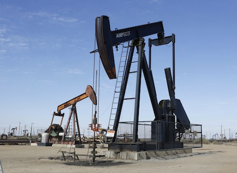 Oil pumps in California / AP