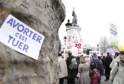 PARIS : Anti abortion march